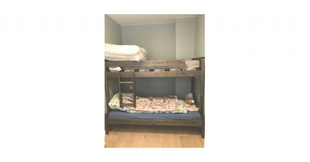 Bilde av seng og barnerom